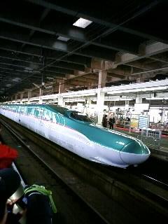 E5系「はやぶさ」試乗会列車